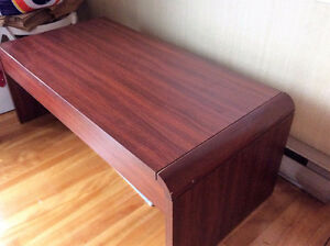 Coffee table wood/Melamine West Island Greater Montréal image 2