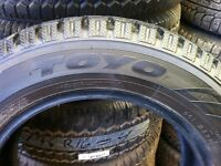 195/65R15 TOYO Observe 11/32 comme neuf  $300.00