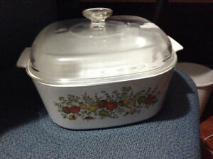 Excellent condition large sized Corning ware casserole for sale