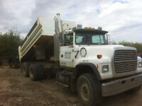 Tandem Gravel truck for hire