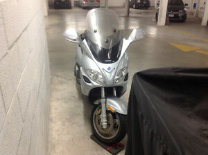 For sale:  2006 Piaggio  X-9 Evolution Motorcycle, Low Mileage
