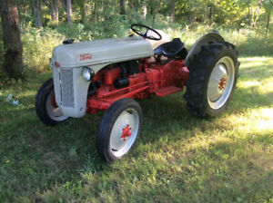 Vintage Ford 8N - When Tractors were Strong and Beautiful
