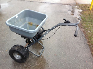 COMMERCIAL SALT SPREADER w/brand new cable control