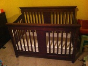 Expresso 2 in 1 Crib & Matress