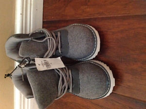 Brand new high top style boys size 12 boots