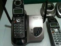 Panasonic 5.8GHz Cordless telephone with 3 handsets