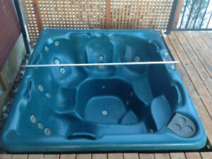 Beachcomber Hot tub in excellent condition!