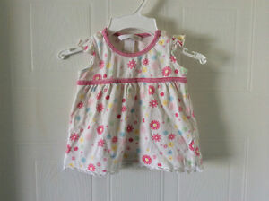 H&M white dress w flowers, size 56 or 1-2 month