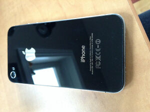 iPhone 4s 16gb Perfect Condition- Comes with a case Kitchener / Waterloo Kitchener Area image 1