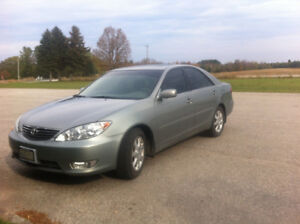 2006 Toyota Camry XLE V6 - Loaded - Leather, Sunroof, NAV, A/C