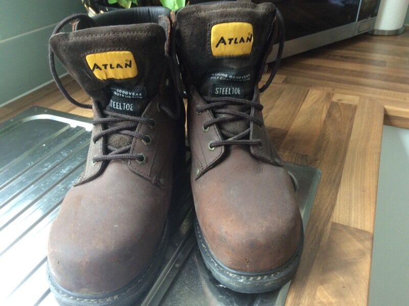 Steel toe capped mens size 11 work bootsin County AntrimGumtree - Very good condition, worn on only a few occasions due to job change. Size 11 mens work boots, make Altan, 100% leather, sturdy and comfortable, broad fitting. Cost 55 pounds, will accept 25