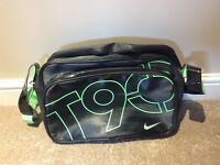 Nike T90 Messenger Bag
