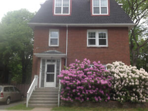 5 bdr Apt, Close to Dal/Kings. Sept Lease, Includes everything!