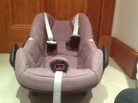 Maxi Cosi Pebble Baby Car Seat with Foot Muff