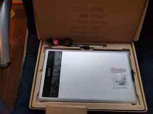 Wacom Medium Bamboo create model cth 670m with box and all the a