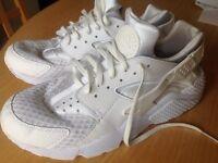 Nike Air Huaraches White UK Size 10