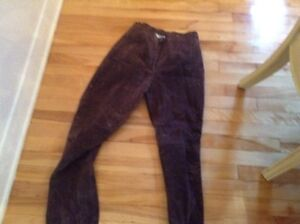 swede & leather pants West Island Greater Montréal image 6
