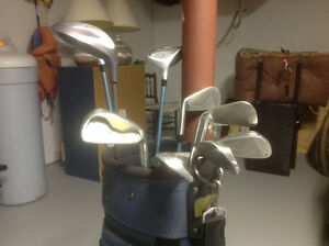 LADY'S GOLDEN BEAR GOLF CLUBS