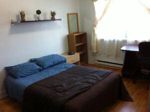 Belle chambre (4 1/2) tout inclus à 400$: disponible 1er juillet