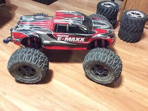 Traxxas E maxx brushless 4x4 electric