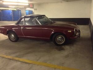 1973 FIAT SPIDER CONVERTIBLE STANDARD 5 SPEED TRANSMISSION