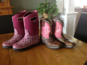 Lot of girls boots/shoes size 3/4 including Bogs