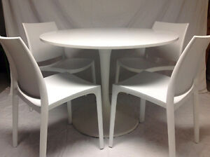 IKEA Docksta table + 4 Maya chairs ~ Excellent condition