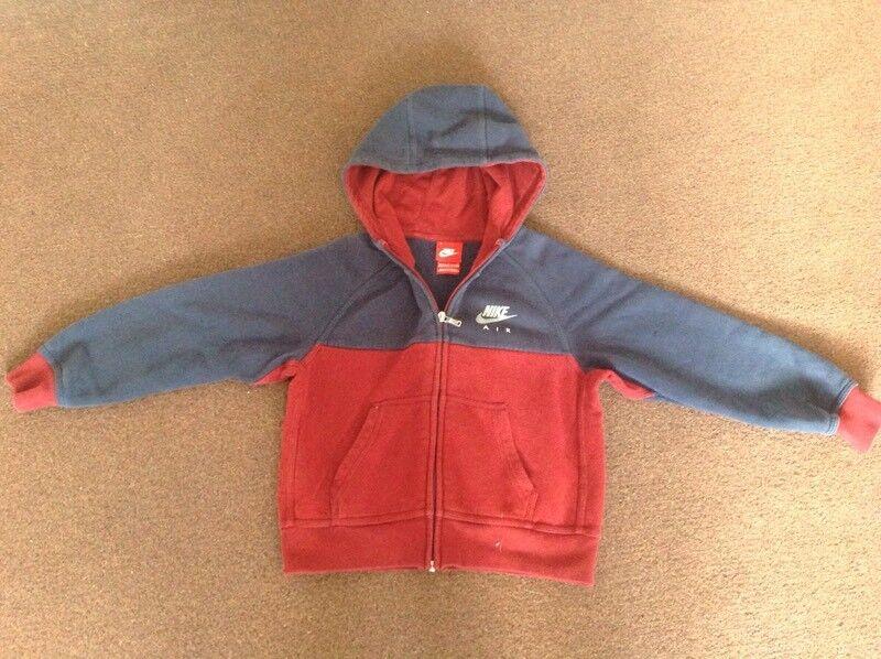 Nike hoodie 6/7