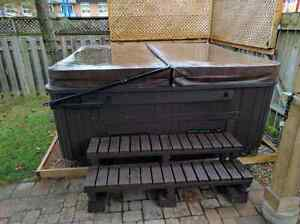 7 seat hot tub great condition