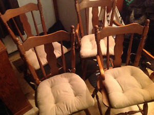 dining chairs 4 solid maple wood set good shape ,only 50 dollars Kitchener / Waterloo Kitchener Area image 2