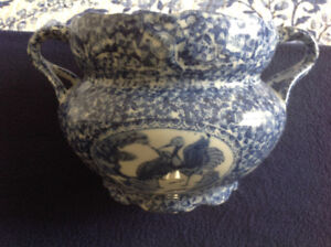 Large Blue & White Chinese Vase