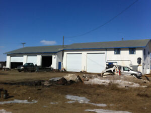 Large shop with suite on 4 acres