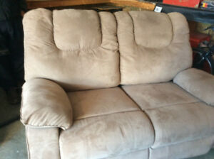 Love seat recliner clean and good condition
