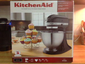 KitchenAid Classic Series 4.5-Quart Tilt-Head Stand Mixer Onyx