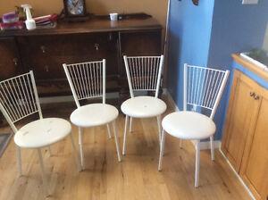 4 chaises de cuisine