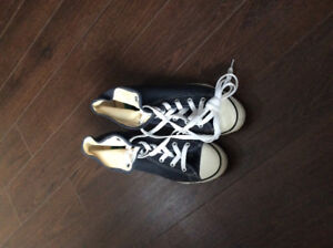 Brand New Size 8 Converse All Star Chuck Taylor High Top Shoes