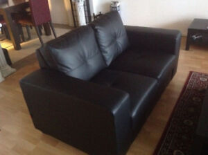 Love Seat leather 250$
