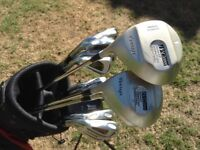 GOLF CLUBS LEFT HANDED. FULL SET IRONS 3 TO S/W + WOODS 1-3-5 and PUTTER. WITH LIGHT WEIGHT BAG .£45