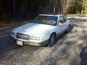 1990 Buick Riviera Luxury Coupe Coupe (2 door)