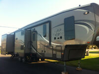 41` fifthwheel trailer