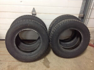Like new Avalanche X-Treme snow tires