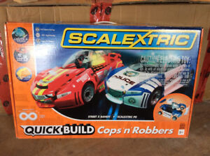 SCALEXTRIC RACE CAR SET