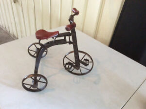 VINTAGE RUSTIC DOLL MINI  TRICYCLE WOOD AND METAL EXCELLENT