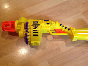 Fantastic Nerf collection, 5 large blasters and five small ones