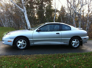 2004 Pontiac Sunfire SL Coupe (2 door)