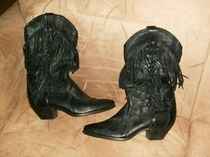 NEW LADIES LAREDO LEATHER FRINGED BOOTS ONLY TRIED ON