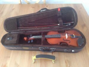 1/4 size Stentor violin outfit for sale