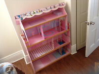 Barbie house, Barbies & Accesories