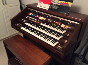 Kawai Electronic Organ