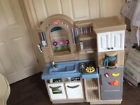 Play kitchen/barbecue. Little Tikes